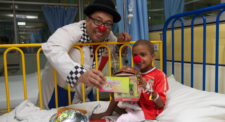 'Dr. Bubbles' Spreading Humour And Joy To Ill Children