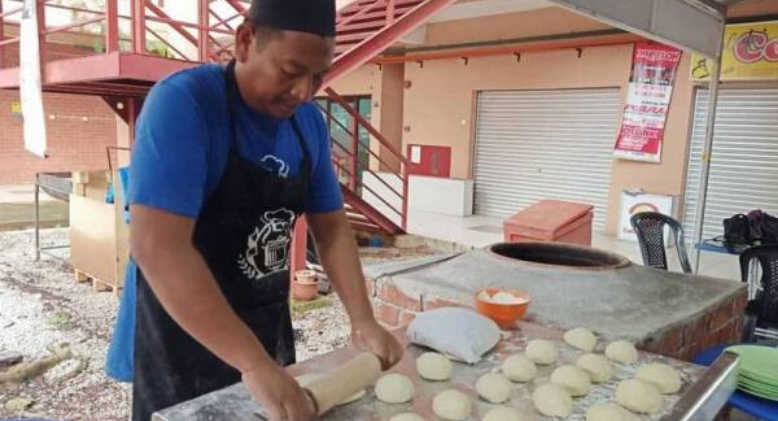 Local Restaurant Owner Feeds The Needy For Free