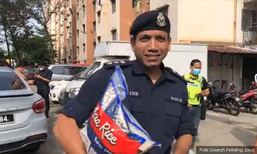 Compassionate Policemen Deliver Necessities, Care Package To Shoplifter Mum's Family